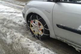 ¿Cómo se colocan las cadenas para la nieve en el coche?