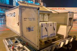 Iberia da prioridad a vuelos de largo radio con Barajas y entregas de vacunas