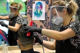 Un centenar de peluquerías y centros de estética ya han cerrado en Baleares