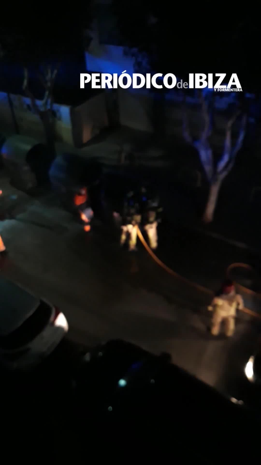 Alarma entre vecinos de Vila por la presencia de humo en un contenedor