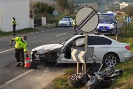Tres heridos en una colisión múltiple en la carretera de Santa Eulària