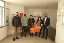 Sant Antoni reparte mascarillas entre los centros educativos y entidades sociales del municipio
