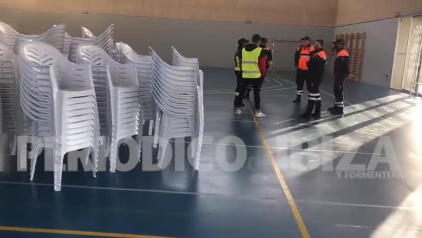 Sant Antoni ya prepara el polideportivo de Ses Païsses para el cribado que comienza mañana