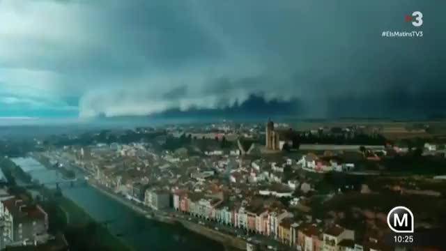 No es Mordor: La tormenta que ha ensombrecido el cielo en Cataluña