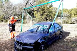 Herido un conductor tras una aparatosa salida de vía en Sant Josep