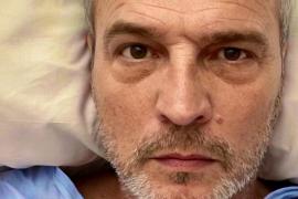 David Summers manda un mensaje tranquilizador tras ser ingresado por peritonitis