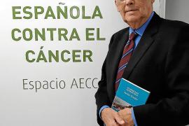 El doctor y presidente de la AECC en Balears, Javier Cortés