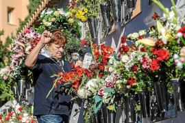 Miles de flores para recordar a los que ya no están en este mundo