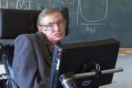 Stephen Hawking mantuvo su voz robótica tras la muerte de su creador