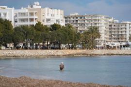 Renaturalizar las playas y deconstruir la primera línea, el 'frente de batalla' contra el cambio climático en Baleares