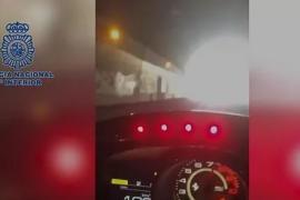 Detenido tras grabarse mientras conducía coches de alta gama a 165 km por hora