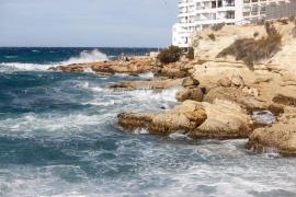 'Justine' mantiene este domingo la alerta por fenómenos costeros
