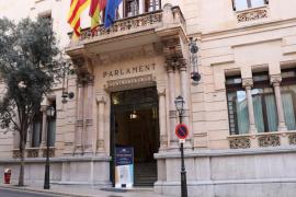 La gestión de la vacunación en Baleares centrará el primer pleno ordinario del Parlament este año