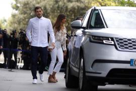 Sara Carbonero e Iker Casillas viven juntos, ajenos a los rumores y no piensan en separarse, según '¡Hola!'