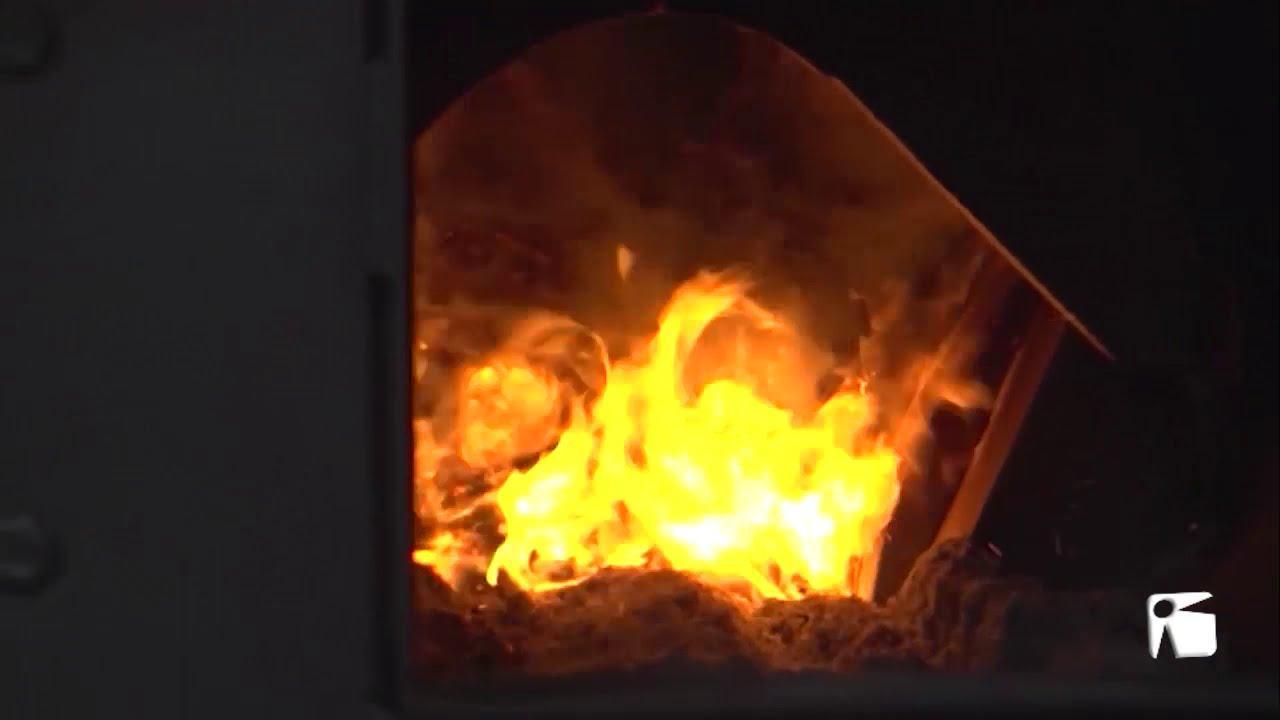 Sant Antoni presenta la puesta en marcha de una caldera de biomasa