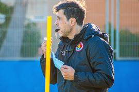 «El árbitro se disculpó por los dos goles legales anulados»