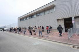 Cinco positivos entre las 1.147 pruebas hechas en el primer día de cribado en Sant Josep