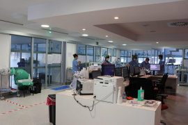 El hospital Can Misses incorporará a dos médicos intensivistas de Mallorca