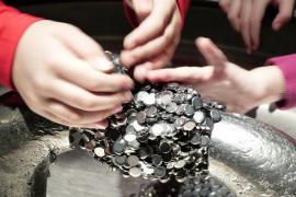 Un niño se come más de 50 imanes porque quería volverse «magnético»