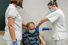 24 dosis en la primera jornada de vacunación a dependientes