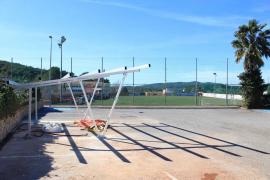 Santa Eulària inicia la construcción del primer punto municipal de recarga solar de vehículos eléctricos