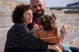 La lucha de los niños con síndrome de Angelman para tener una vida feliz