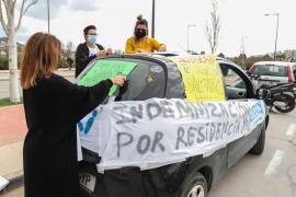 La protesta de los sanitarios de Ibiza organizada por USEIRI, en imágenes.