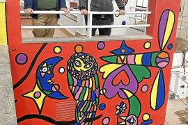 José Luis Mesas, autor del mural del hotel Artmadans: «Si en esta decisión no ha habido racismo, que venga Dios y lo diga»