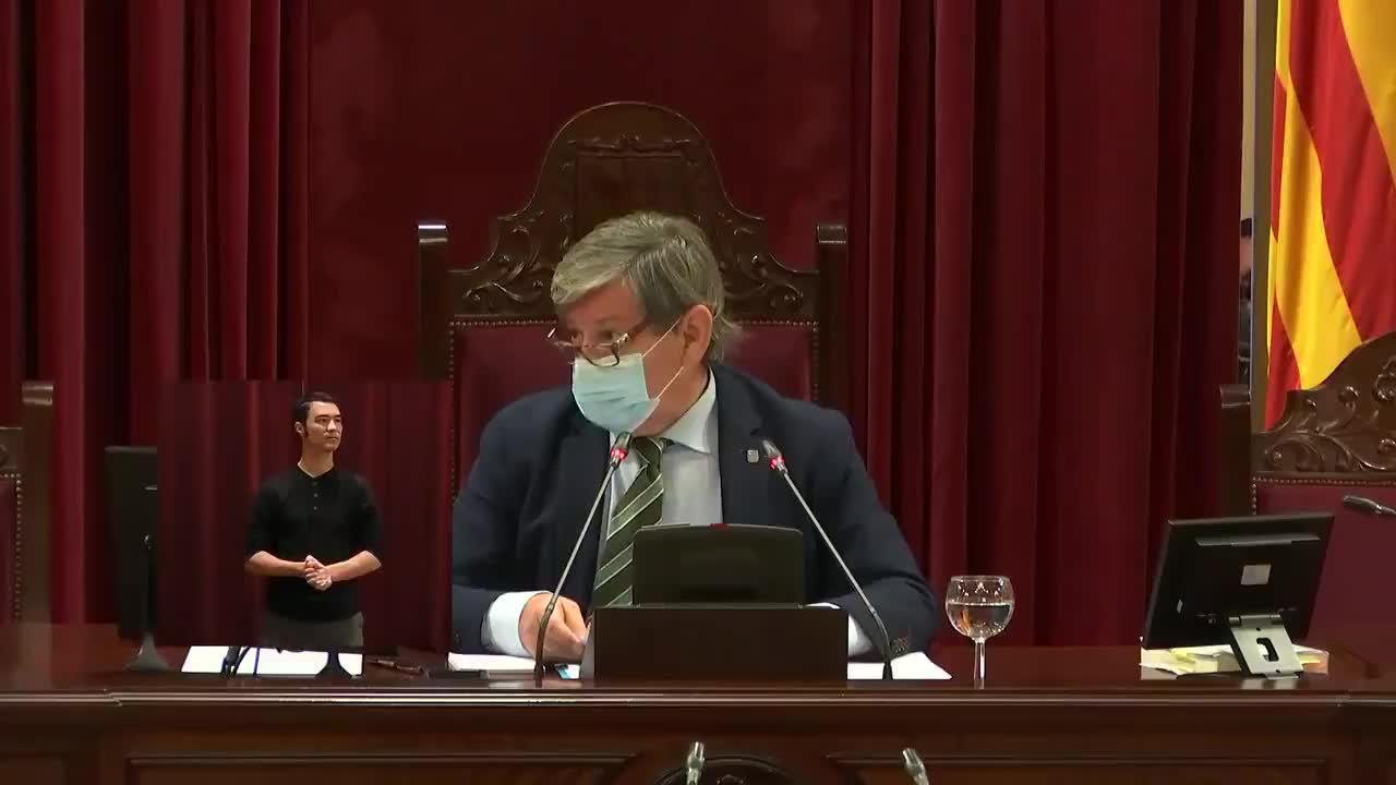 Armengol se ausenta por «motivos de salud» del Pleno del Parlament
