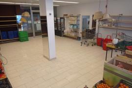 Cáritas pide ayuda ante «el momento complicado» de su banco de alimentos