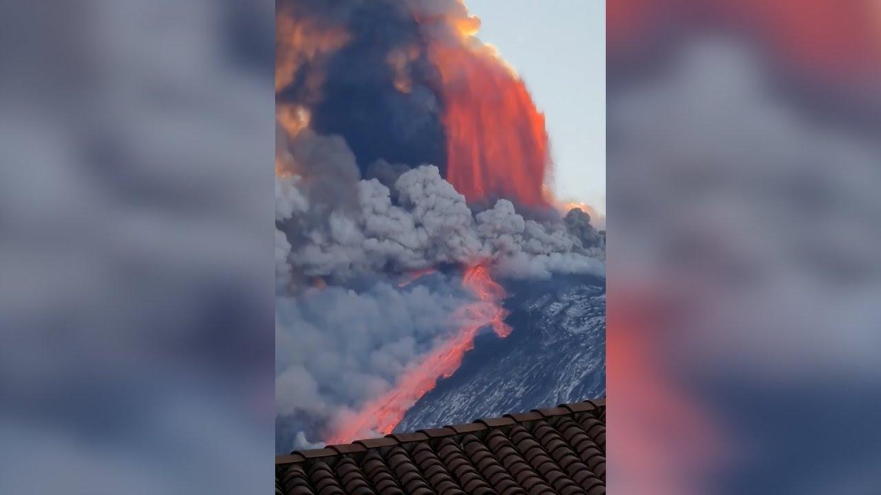 Cierra el aeropuerto de Catania tras una explosión de fuego y ceniza en el Etna