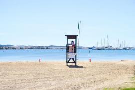Sant Antoni inicia el proceso de licitación del servicio de socorrismo en las playas del municipio