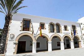 Santa Eulària aclara que la caldera de biomasa de la piscina de Santa Gertrudis cumple con todos los parámetros legales