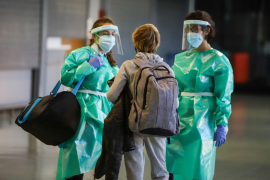 España se queda atrás en la puesta en marcha del pasaporte de vacunación
