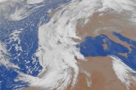 Fuerte entrada de polvo africano sobre Baleares