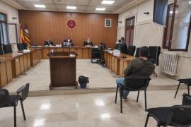 Dos años de cárcel para un hombre condenado por abusar sexualmente de su hijastra en Ibiza