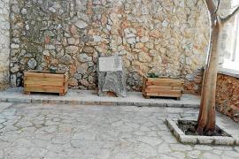 La iglesia conserva a su nombre dos plazas que donó a Mancor hace 30 años