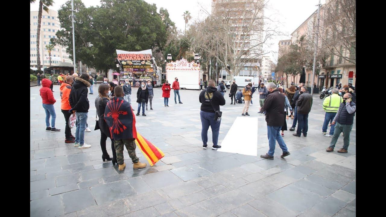 La Resistencia congrega a un centenar de personas contra el Govern de Armengol