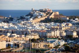 Los movimientos de mercado propician que en Ibiza existan menos viviendas vacías de grandes tenedores