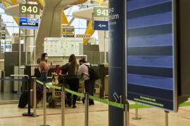 Se amplía la cuarentena a los pasajeros que llegan a España para controlar las cepas sudafricana y brasileña