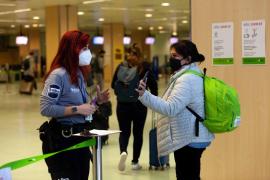 Sanidad y CCAA acuerdan mantener los cierres perimetrales y el toque de queda de 22 a 6 horas en Semana Santa