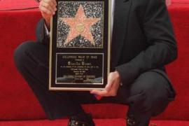 """Charlie Sheen quiere más dinero para continuar en """"Dos hombres y medio"""""""