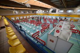 El próximo lunes se abre a la vacunación el polideportivo Germans Escales