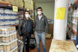 Es Nàutic dona 10 toneladas de alimentos a Cáritas por las crisis