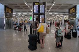 Condena a una areolínea a indemnizar a un bebé por el retraso de un vuelo