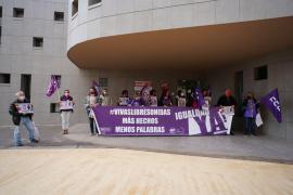 Los sindicatos UGT y CCOO piden derogar la reforma laboral y no bajar la guardia en la lucha hacia la igualdad