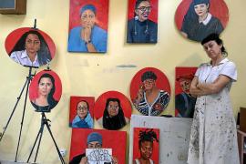 La ibicenca Aída Miró retrata a 12 mujeres del Bronx