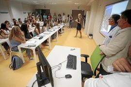 El colectivo médico ya cuenta en Baleares con más mujeres que hombres