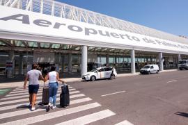 La OCU denuncia que miles de consumidores siguen sin poder recuperar el dinero de sus viajes cancelados