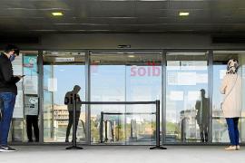 Locutorios de Ibiza consiguen de forma irregular citas con el SEPE